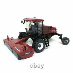 1/64 scale MacDon M1240 Self Propelled Windrower With Draper And Disc Head 1516
