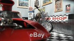 118 124 Scale DIECAST DIORAMA SPEED SHOP SHOWROOM GARAGE