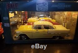 118 Scale DIECAST DIORAMA CHEVROLET SHOWROOM