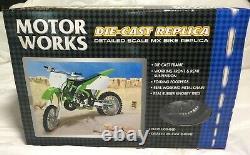 2002 LBZ KAWASAKI KX250 Motocross 16 SCALE DIE CAST Motorcycle Supercross Model