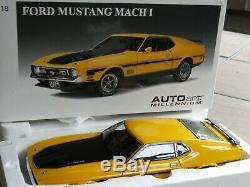 AutoArt Millennium 1971 Ford Mustang Mach 1 Fastback 118 Scale Diecast'71 Car