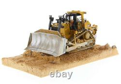 Cat D9T Dozer Weathered Series Diecast Masters 150 Scale Model #85702 New