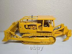 Caterpillar D9 Series D with Sweep ROPS Ripper First Gear 125 Scale Custom