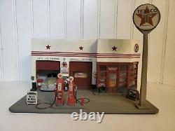 Chronicles Texaco Star 1940's Gas Station 143 HO Scale Resin Model Car Diorama