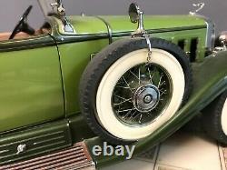 Danbury Mint 112 Scale 1930 Cadillac V-16 Roadster 18 Inch Needs Restor