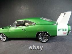 Danbury Mint 1969 Dodge Charger Daytona 440 124 Scale Diecast Model Car Green