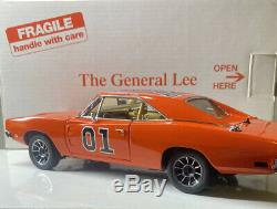 Danbury Mint The General Lee from The Dukes Of Hazzard 1/24 Scale NICE CAR