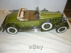 Danbury mint scale model of a 1930 Cadillac V16 Roadster with working lights