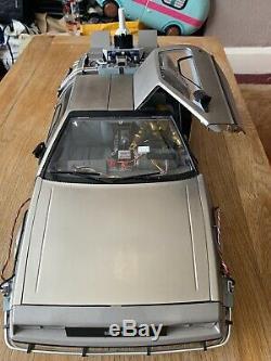 Eaglemoss DeLorean 1/8 Scale Complete