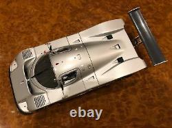 Exoto FIRST SHOT 1989 Sauber-Mercedes C9 Scale 118 RLG18190FS