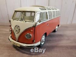 Franklin Mint 1962 Volkswagen Microbus 124 Scale Diecast Model VW Bus Orange