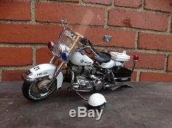 Franklin Mint Harley Davidson Police Electra Glide Motorcycle 110 Scale Diecast
