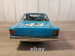 Franklin Mint Richard Petty 1967 Plymouth Belvedere GTX 124 Scale Diecast Car