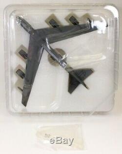 Herpa Wings 557351 B-52H'Memphis Belle IV' 1/200 Scale Diecast Model