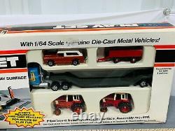 International IH Dealership ERTL 164 Scale PLAYSET with Scout, Semi 2 Tractor NIB