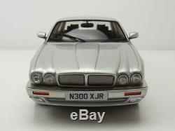 Jaguar XJR X300 1995 silber Modellauto 118 Cult Scale Models