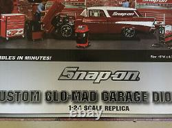 Snap-On Glo-Mad Garage Diorama 124 Scale NEW