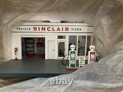 Vintage Danbury Mint Sinclair Gas Station. 1 24 scale